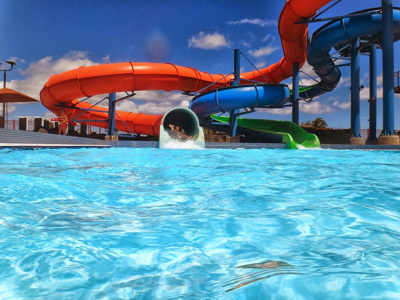 visiting a waterpark in middle tennessee